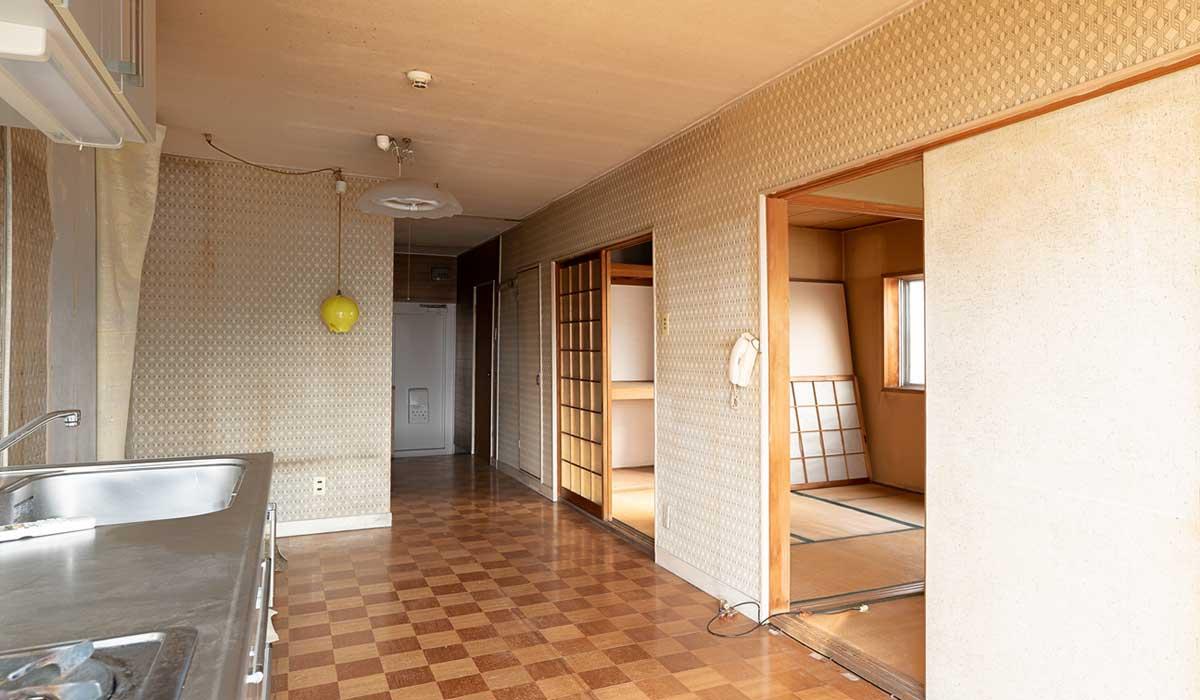 DIYとプロの技の融合で築47年の物件を大胆リノベーション:施工前